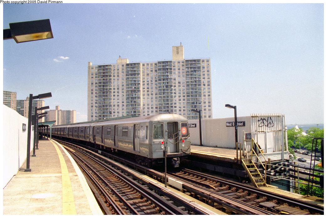 (228k, 1044x695)<br><b>Country:</b> United States<br><b>City:</b> New York<br><b>System:</b> New York City Transit<br><b>Line:</b> BMT Brighton Line<br><b>Location:</b> West 8th Street <br><b>Route:</b> D<br><b>Car:</b> R-68 (Westinghouse-Amrail, 1986-1988)  2850 <br><b>Photo by:</b> David Pirmann<br><b>Date:</b> 7/18/1998<br><b>Viewed (this week/total):</b> 1 / 6807