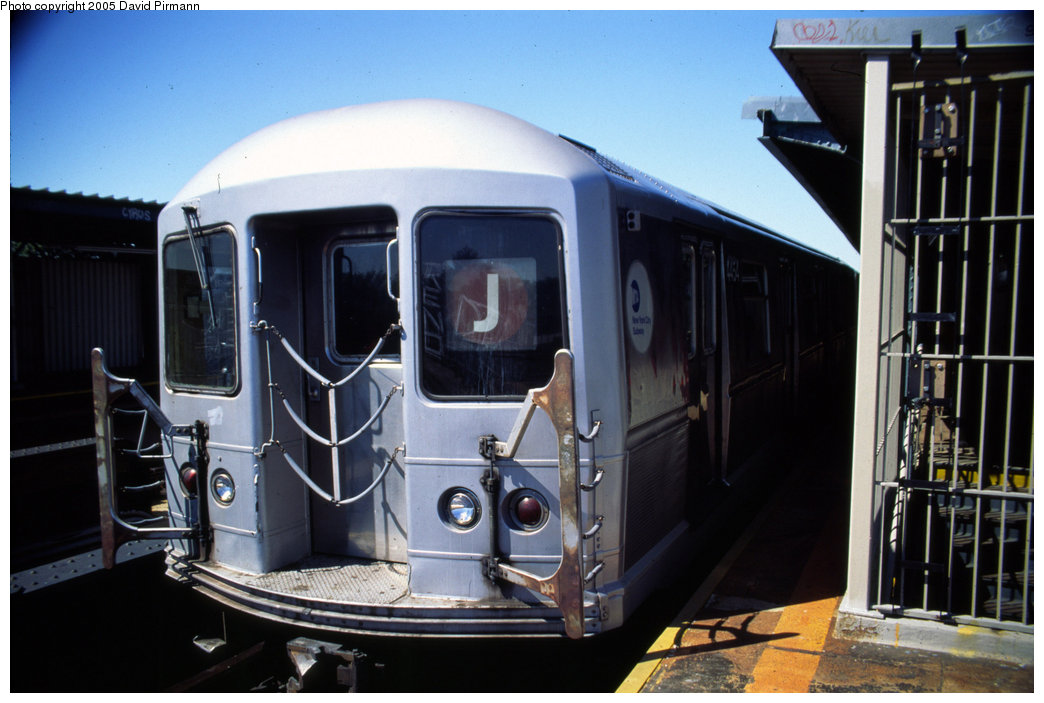 (171k, 1044x703)<br><b>Country:</b> United States<br><b>City:</b> New York<br><b>System:</b> New York City Transit<br><b>Line:</b> BMT Nassau Street/Jamaica Line<br><b>Location:</b> Cypress Hills <br><b>Route:</b> J<br><b>Car:</b> R-40M (St. Louis, 1969)  4454 <br><b>Photo by:</b> David Pirmann<br><b>Date:</b> 8/1/1998<br><b>Viewed (this week/total):</b> 3 / 4883