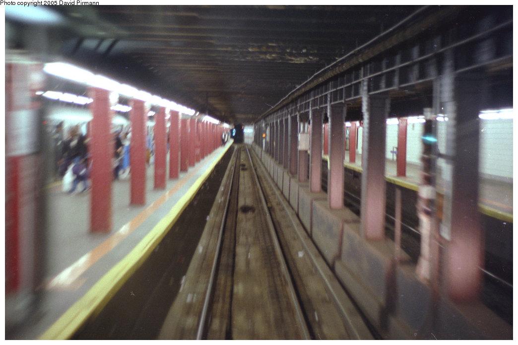(155k, 1044x695)<br><b>Country:</b> United States<br><b>City:</b> New York<br><b>System:</b> New York City Transit<br><b>Line:</b> BMT Nassau Street/Jamaica Line<br><b>Location:</b> Essex Street <br><b>Photo by:</b> David Pirmann<br><b>Date:</b> 9/24/1995<br><b>Notes:</b> Westbound into Essex Street on the center track<br><b>Viewed (this week/total):</b> 2 / 5372