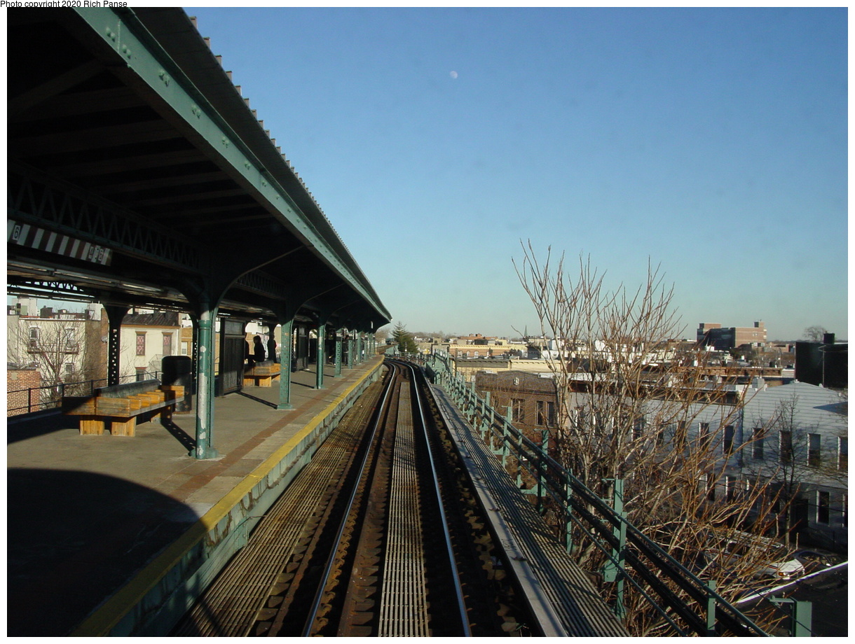 (83k, 820x620)<br><b>Country:</b> United States<br><b>City:</b> New York<br><b>System:</b> New York City Transit<br><b>Line:</b> BMT Myrtle Avenue Line<br><b>Location:</b> Forest Avenue <br><b>Photo by:</b> Richard Panse<br><b>Date:</b> 1/25/2002<br><b>Viewed (this week/total):</b> 4 / 3836