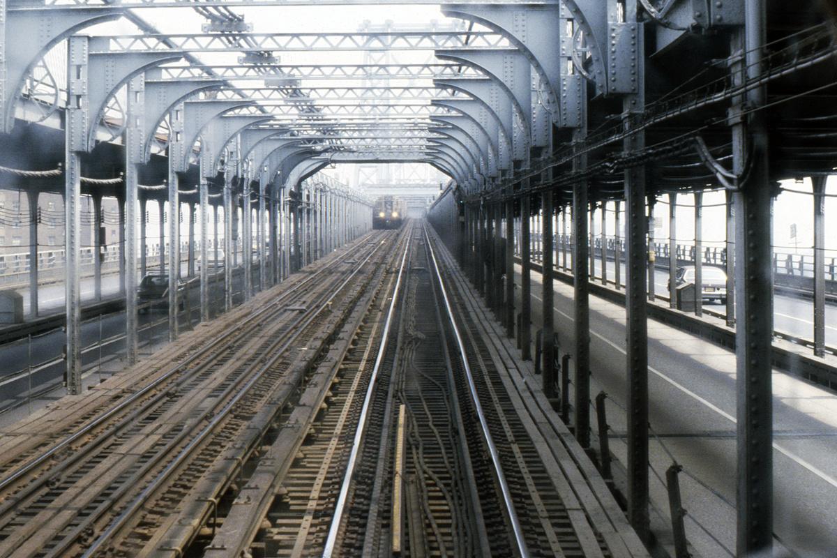 (593k, 1024x683)<br><b>Country:</b> United States<br><b>City:</b> New York<br><b>System:</b> New York City Transit<br><b>Line:</b> BMT Nassau Street/Jamaica Line<br><b>Location:</b> Williamsburg Bridge<br><b>Photo by:</b> Steve Hoskins<br><b>Collection of:</b> David Pirmann<br><b>Date:</b> 8/1979<br><b>Viewed (this week/total):</b> 1 / 3129