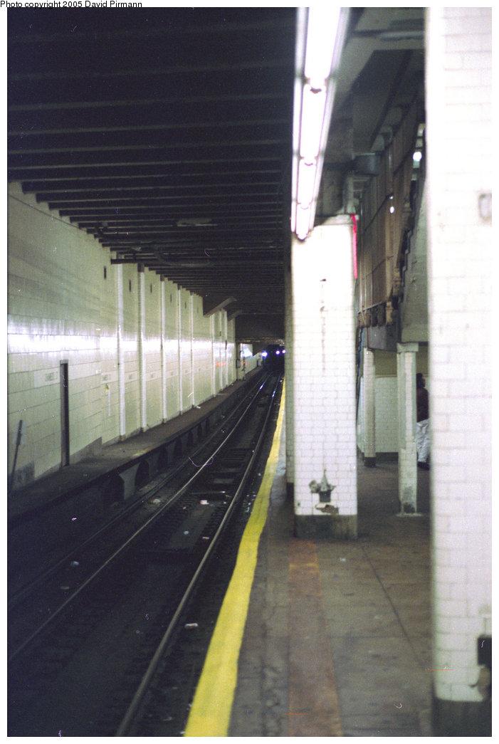 (156k, 701x1045)<br><b>Country:</b> United States<br><b>City:</b> New York<br><b>System:</b> New York City Transit<br><b>Line:</b> BMT Nassau Street/Jamaica Line<br><b>Location:</b> Chambers Street <br><b>Photo by:</b> David Pirmann<br><b>Date:</b> 10/11/1996<br><b>Viewed (this week/total):</b> 1 / 3586