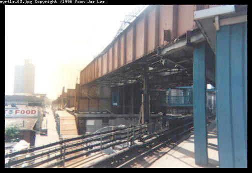 (31k, 504x346)<br><b>Country:</b> United States<br><b>City:</b> New York<br><b>System:</b> New York City Transit<br><b>Line:</b> BMT Myrtle Avenue Line<br><b>Location:</b> Broadway/Myrtle Avenue (Upper Level) <br><b>Photo by:</b> Yoon Jae Lee<br><b>Notes:</b> View south of the Myrtle Ave station, showing the remmants of the abandonded structure west of Broadway<br><b>Viewed (this week/total):</b> 1 / 7910