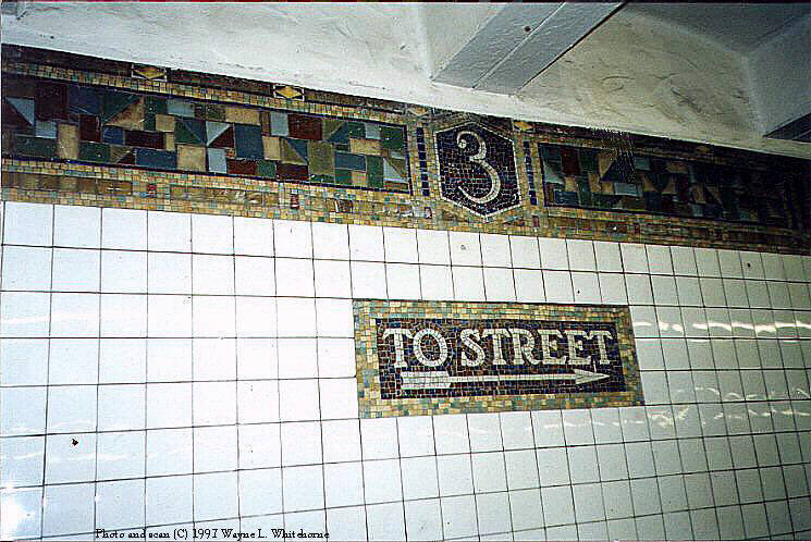 (98k, 745x498)<br><b>Country:</b> United States<br><b>City:</b> New York<br><b>System:</b> New York City Transit<br><b>Line:</b> BMT Canarsie Line<br><b>Location:</b> 3rd Avenue <br><b>Route:</b> L<br><b>Photo by:</b> Wayne Whitehorne<br><b>Date:</b> 11/28/1997<br><b>Viewed (this week/total):</b> 3 / 2722