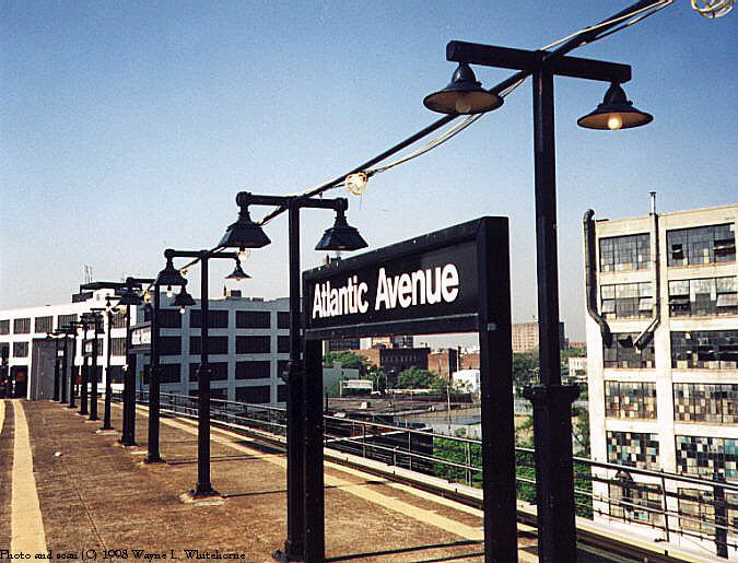 (94k, 675x515)<br><b>Country:</b> United States<br><b>City:</b> New York<br><b>System:</b> New York City Transit<br><b>Line:</b> BMT Canarsie Line<br><b>Location:</b> Atlantic Avenue <br><b>Route:</b> L<br><b>Photo by:</b> Wayne Whitehorne<br><b>Date:</b> 5/28/1998<br><b>Viewed (this week/total):</b> 4 / 2039