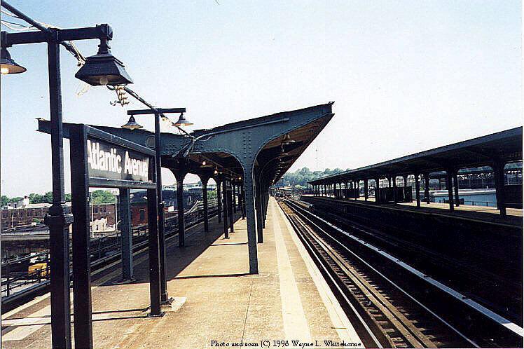 (98k, 748x498)<br><b>Country:</b> United States<br><b>City:</b> New York<br><b>System:</b> New York City Transit<br><b>Line:</b> BMT Canarsie Line<br><b>Location:</b> Atlantic Avenue <br><b>Route:</b> L<br><b>Photo by:</b> Wayne Whitehorne<br><b>Date:</b> 5/28/1998<br><b>Viewed (this week/total):</b> 0 / 2099