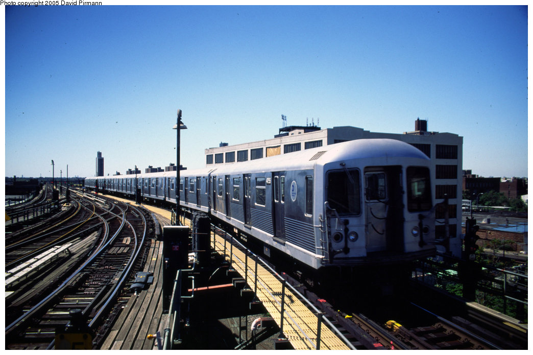 (184k, 1044x695)<br><b>Country:</b> United States<br><b>City:</b> New York<br><b>System:</b> New York City Transit<br><b>Line:</b> BMT Canarsie Line<br><b>Location:</b> Atlantic Avenue <br><b>Route:</b> L<br><b>Car:</b> R-42 (St. Louis, 1969-1970)  4755 <br><b>Photo by:</b> David Pirmann<br><b>Date:</b> 8/1/1998<br><b>Notes:</b> Train departing Atlantic Avenue heading south<br><b>Viewed (this week/total):</b> 3 / 3923
