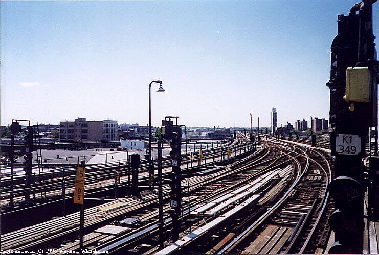 (109k, 741x500)<br><b>Country:</b> United States<br><b>City:</b> New York<br><b>System:</b> New York City Transit<br><b>Line:</b> BMT Canarsie Line<br><b>Location:</b> Atlantic Avenue <br><b>Route:</b> L<br><b>Photo by:</b> Wayne Whitehorne<br><b>Date:</b> 5/28/1998<br><b>Notes:</b> Fulton El portion of Atlantic Avenue<br><b>Viewed (this week/total):</b> 3 / 3020