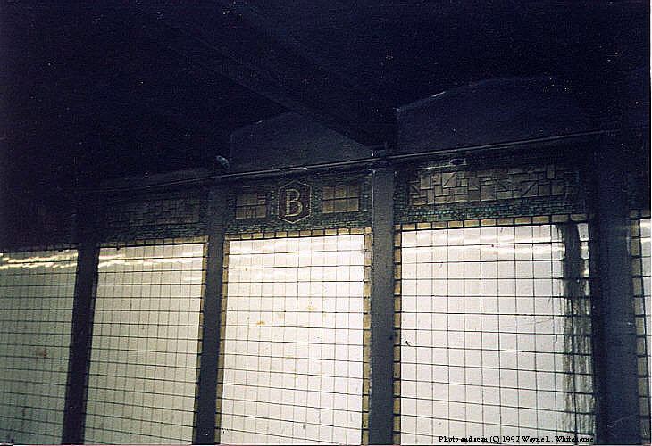 (86k, 730x500)<br><b>Country:</b> United States<br><b>City:</b> New York<br><b>System:</b> New York City Transit<br><b>Line:</b> BMT Canarsie Line<br><b>Location:</b> Bedford Avenue <br><b>Route:</b> L<br><b>Photo by:</b> Wayne Whitehorne<br><b>Date:</b> 9/14/1997<br><b>Viewed (this week/total):</b> 3 / 2726