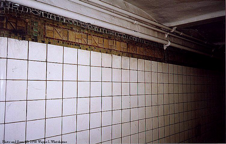 (89k, 752x481)<br><b>Country:</b> United States<br><b>City:</b> New York<br><b>System:</b> New York City Transit<br><b>Line:</b> BMT Canarsie Line<br><b>Location:</b> Bedford Avenue <br><b>Route:</b> L<br><b>Photo by:</b> Wayne Whitehorne<br><b>Date:</b> 8/21/1998<br><b>Viewed (this week/total):</b> 0 / 2908