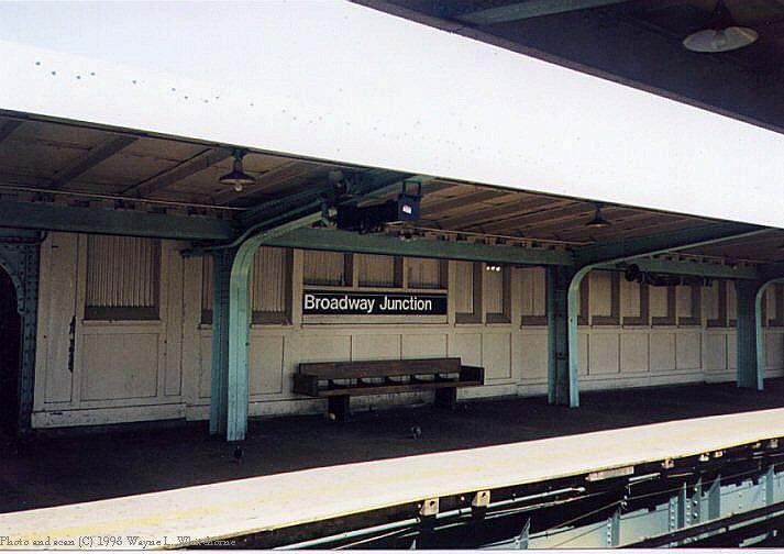 (66k, 713x504)<br><b>Country:</b> United States<br><b>City:</b> New York<br><b>System:</b> New York City Transit<br><b>Line:</b> BMT Canarsie Line<br><b>Location:</b> Broadway Junction <br><b>Route:</b> L<br><b>Photo by:</b> Wayne Whitehorne<br><b>Date:</b> 1998<br><b>Viewed (this week/total):</b> 1 / 2437