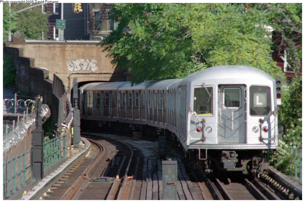 (251k, 1044x695)<br><b>Country:</b> United States<br><b>City:</b> New York<br><b>System:</b> New York City Transit<br><b>Line:</b> BMT Canarsie Line<br><b>Location:</b> Broadway Junction <br><b>Route:</b> L<br><b>Car:</b> R-42 (St. Louis, 1969-1970)   <br><b>Photo by:</b> David Pirmann<br><b>Date:</b> 10/11/1996<br><b>Viewed (this week/total):</b> 1 / 5981