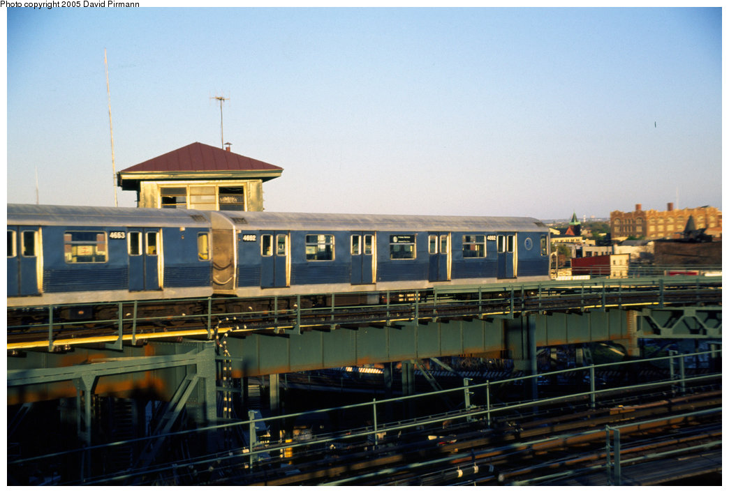 (179k, 1044x707)<br><b>Country:</b> United States<br><b>City:</b> New York<br><b>System:</b> New York City Transit<br><b>Line:</b> BMT Canarsie Line<br><b>Location:</b> Broadway Junction <br><b>Route:</b> L<br><b>Car:</b> R-42 (St. Louis, 1969-1970)  4652 <br><b>Photo by:</b> David Pirmann<br><b>Date:</b> 4/30/1999<br><b>Notes:</b> Some of us continued on to Broadway Junction. View of L train heading northbound.<br><b>Viewed (this week/total):</b> 0 / 5207