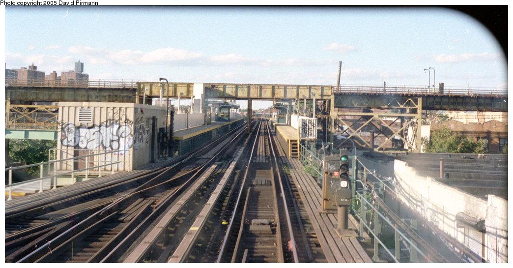 (185k, 1044x545)<br><b>Country:</b> United States<br><b>City:</b> New York<br><b>System:</b> New York City Transit<br><b>Line:</b> BMT Canarsie Line<br><b>Location:</b> Livonia Avenue <br><b>Photo by:</b> David Pirmann<br><b>Date:</b> 9/24/1995<br><b>Viewed (this week/total):</b> 3 / 3768