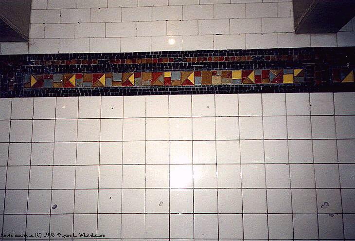 (78k, 730x495)<br><b>Country:</b> United States<br><b>City:</b> New York<br><b>System:</b> New York City Transit<br><b>Line:</b> BMT Canarsie Line<br><b>Location:</b> Myrtle Avenue <br><b>Route:</b> L<br><b>Photo by:</b> Wayne Whitehorne<br><b>Date:</b> 9/14/1997<br><b>Viewed (this week/total):</b> 0 / 2526