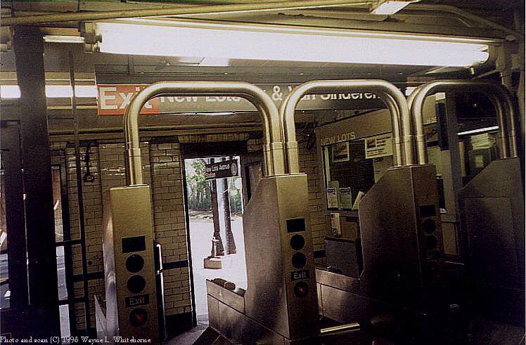 (94k, 748x491)<br><b>Country:</b> United States<br><b>City:</b> New York<br><b>System:</b> New York City Transit<br><b>Line:</b> BMT Canarsie Line<br><b>Location:</b> New Lots Avenue <br><b>Route:</b> L<br><b>Photo by:</b> Wayne Whitehorne<br><b>Date:</b> 1998<br><b>Viewed (this week/total):</b> 0 / 4465