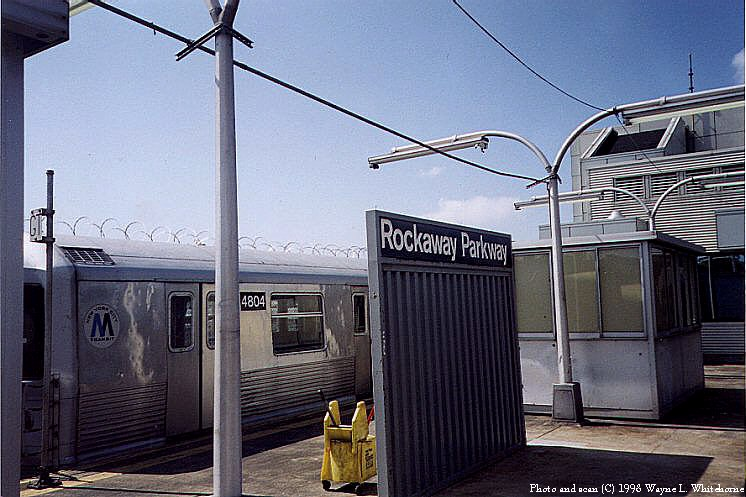 (88k, 746x497)<br><b>Country:</b> United States<br><b>City:</b> New York<br><b>System:</b> New York City Transit<br><b>Line:</b> BMT Canarsie Line<br><b>Location:</b> Rockaway Parkway <br><b>Route:</b> L<br><b>Photo by:</b> Wayne Whitehorne<br><b>Date:</b> 6/28/1998<br><b>Viewed (this week/total):</b> 1 / 3603