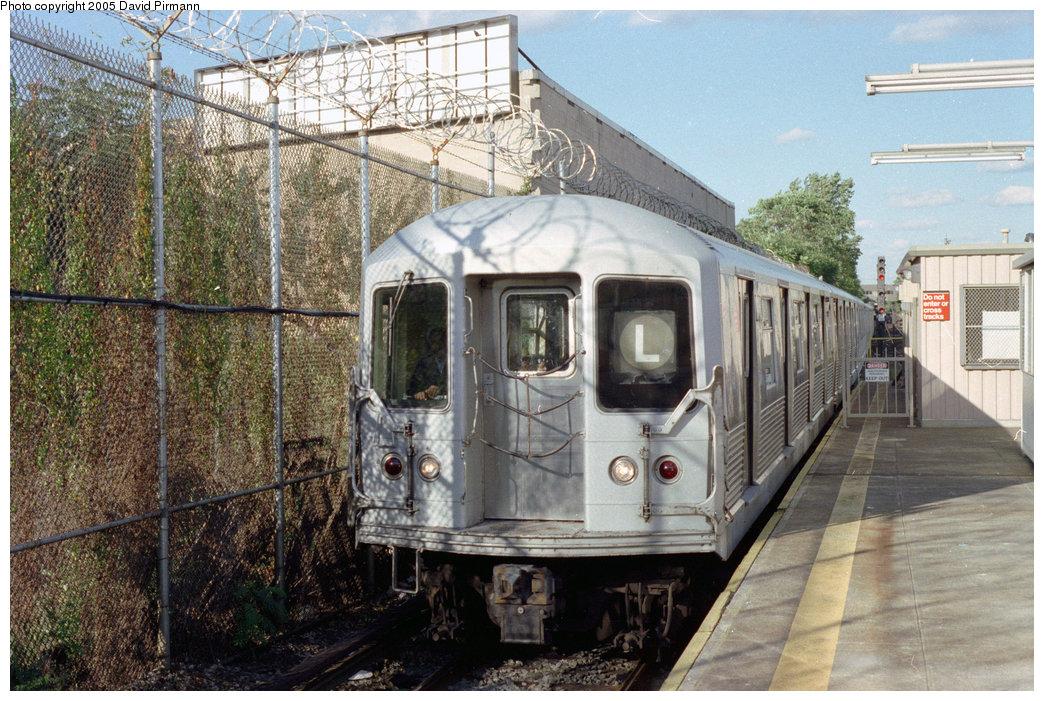 (267k, 1044x701)<br><b>Country:</b> United States<br><b>City:</b> New York<br><b>System:</b> New York City Transit<br><b>Line:</b> BMT Canarsie Line<br><b>Location:</b> Rockaway Parkway <br><b>Route:</b> L<br><b>Car:</b> R-42 (St. Louis, 1969-1970)   <br><b>Photo by:</b> David Pirmann<br><b>Date:</b> 9/24/1995<br><b>Viewed (this week/total):</b> 2 / 5362