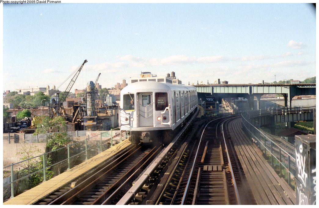 (218k, 1044x682)<br><b>Country:</b> United States<br><b>City:</b> New York<br><b>System:</b> New York City Transit<br><b>Line:</b> BMT Canarsie Line<br><b>Location:</b> Sutter Avenue <br><b>Route:</b> L<br><b>Photo by:</b> David Pirmann<br><b>Date:</b> 9/24/1995<br><b>Notes:</b> View from Sutter Avenue station with abandoned Fulton El turnout in background; the El was abandoned around 1956<br><b>Viewed (this week/total):</b> 4 / 3570