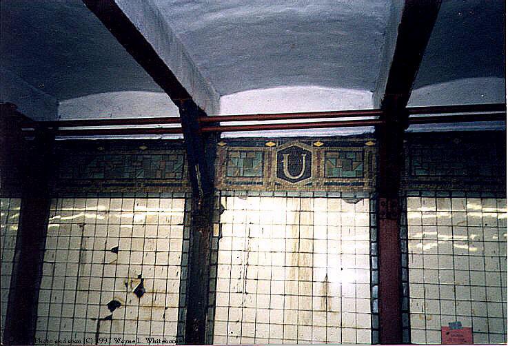 (99k, 737x502)<br><b>Country:</b> United States<br><b>City:</b> New York<br><b>System:</b> New York City Transit<br><b>Line:</b> BMT Canarsie Line<br><b>Location:</b> Union Square <br><b>Route:</b> L<br><b>Photo by:</b> Wayne Whitehorne<br><b>Date:</b> 4/18/1998<br><b>Viewed (this week/total):</b> 3 / 3446