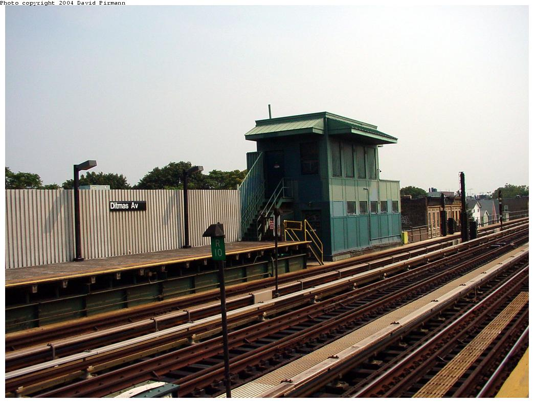 (130k, 1044x788)<br><b>Country:</b> United States<br><b>City:</b> New York<br><b>System:</b> New York City Transit<br><b>Line:</b> BMT Culver Line<br><b>Location:</b> Ditmas Avenue <br><b>Route:</b> F<br><b>Photo by:</b> David Pirmann<br><b>Date:</b> 8/27/2000<br><b>Notes:</b> Tower on south end of northbound platform<br><b>Viewed (this week/total):</b> 0 / 2589