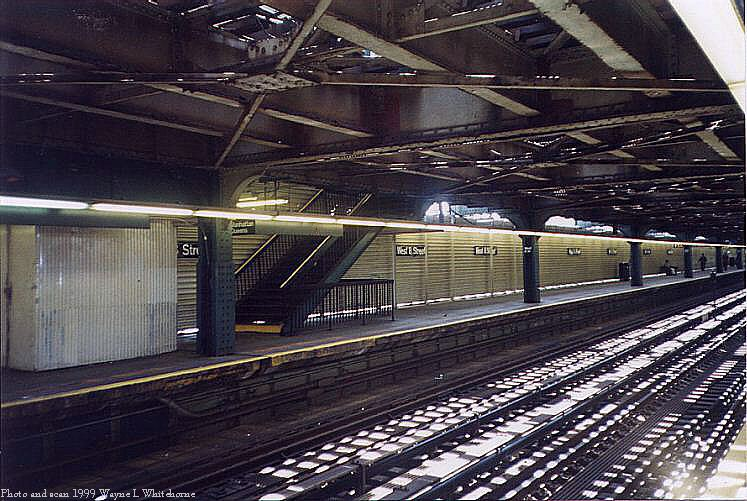 (97k, 747x501)<br><b>Country:</b> United States<br><b>City:</b> New York<br><b>System:</b> New York City Transit<br><b>Line:</b> BMT Culver Line<br><b>Location:</b> West 8th Street <br><b>Route:</b> F<br><b>Photo by:</b> Wayne Whitehorne<br><b>Date:</b> 6/4/1999<br><b>Notes:</b> West 8th Street lower level<br><b>Viewed (this week/total):</b> 1 / 3883