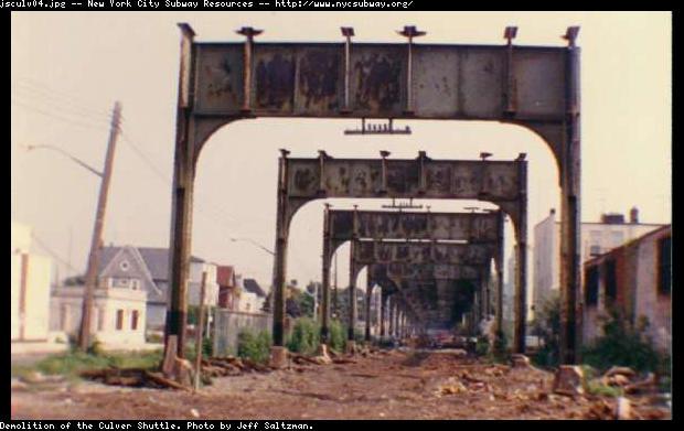 (45k, 620x391)<br><b>Country:</b> United States<br><b>City:</b> New York<br><b>System:</b> New York City Transit<br><b>Line:</b> BMT Culver Line<br><b>Location:</b> Culver Shuttle-Demolition<br><b>Photo by:</b> Jeff Saltzman<br><b>Viewed (this week/total):</b> 0 / 5532