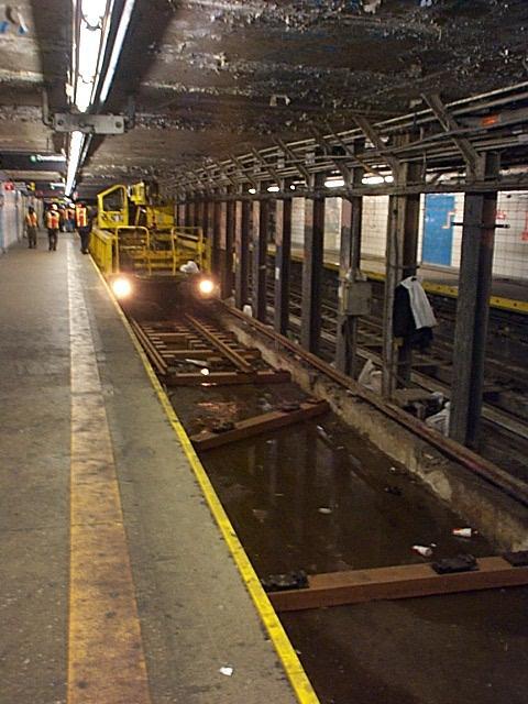 (58k, 480x640)<br><b>Country:</b> United States<br><b>City:</b> New York<br><b>System:</b> New York City Transit<br><b>Line:</b> BMT Broadway Line<br><b>Location:</b> Canal Street (Manhattan Bridge Branch) <br><b>Photo by:</b> Richard Brome<br><b>Viewed (this week/total):</b> 1 / 6768