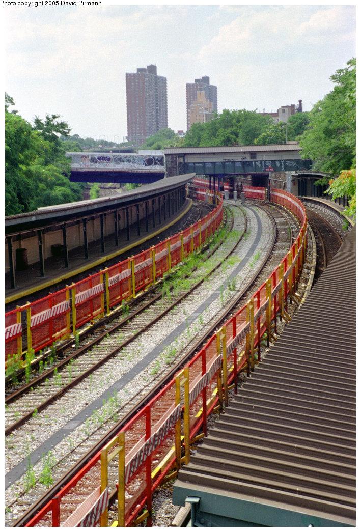 (279k, 709x1045)<br><b>Country:</b> United States<br><b>City:</b> New York<br><b>System:</b> New York City Transit<br><b>Line:</b> BMT Sea Beach Line<br><b>Location:</b> 8th Avenue <br><b>Photo by:</b> David Pirmann<br><b>Date:</b> 7/18/1998<br><b>Viewed (this week/total):</b> 5 / 3183
