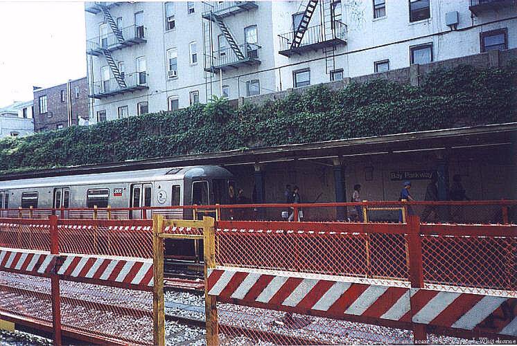 (120k, 746x500)<br><b>Country:</b> United States<br><b>City:</b> New York<br><b>System:</b> New York City Transit<br><b>Line:</b> BMT Sea Beach Line<br><b>Location:</b> Bay Parkway (22nd Avenue) <br><b>Photo by:</b> Wayne Whitehorne<br><b>Date:</b> 6/4/1999<br><b>Notes:</b> N train leaving Bay Parkway<br><b>Viewed (this week/total):</b> 0 / 3110