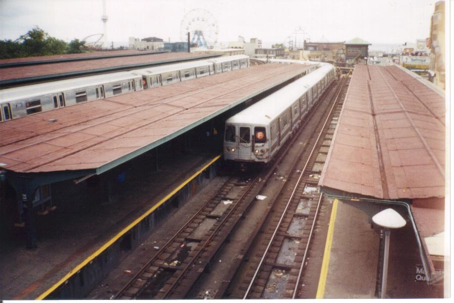 (71k, 900x600)<br><b>Country:</b> United States<br><b>City:</b> New York<br><b>System:</b> New York City Transit<br><b>Location:</b> Coney Island/Stillwell Avenue<br><b>Photo by:</b> Tony Mirabella<br><b>Date:</b> 2000<br><b>Viewed (this week/total):</b> 2 / 2750