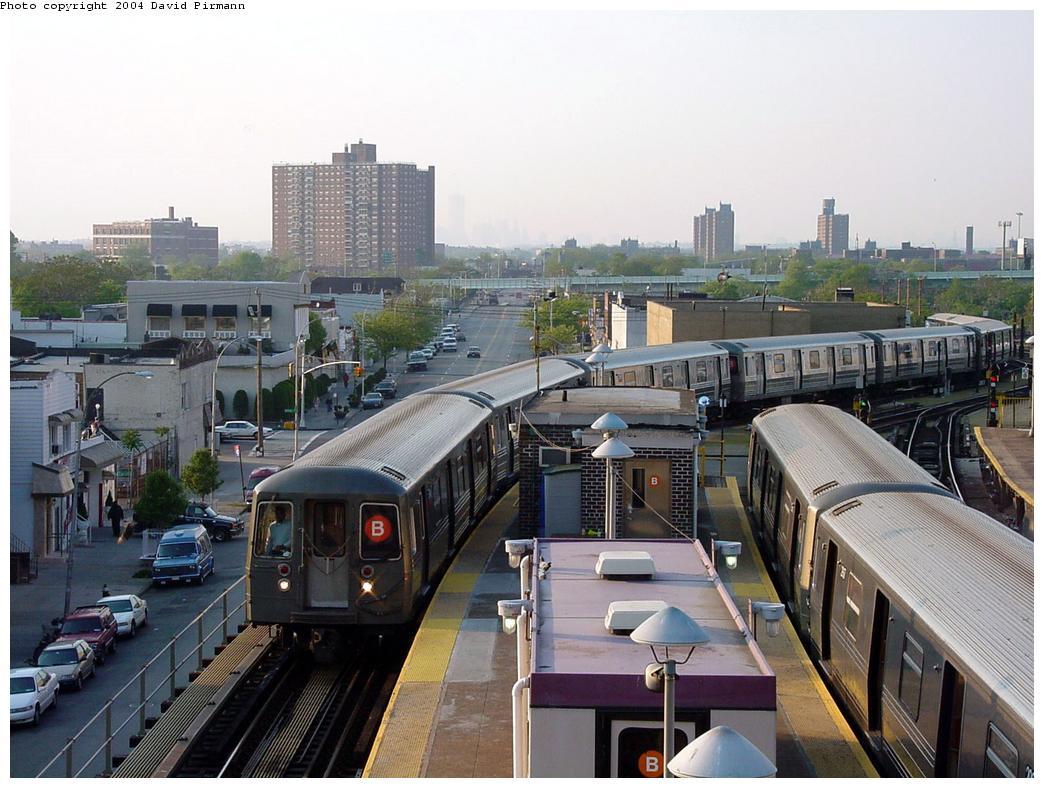 (139k, 1044x788)<br><b>Country:</b> United States<br><b>City:</b> New York<br><b>System:</b> New York City Transit<br><b>Location:</b> Coney Island/Stillwell Avenue<br><b>Route:</b> B<br><b>Car:</b> R-68/R-68A Series (Number Unknown)  <br><b>Photo by:</b> David Pirmann<br><b>Date:</b> 5/17/2000<br><b>Viewed (this week/total):</b> 2 / 5688