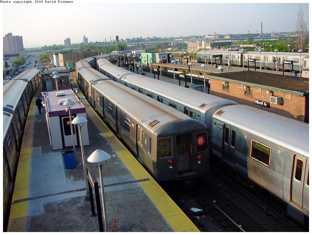 (149k, 1044x788)<br><b>Country:</b> United States<br><b>City:</b> New York<br><b>System:</b> New York City Transit<br><b>Location:</b> Coney Island/Stillwell Avenue<br><b>Route:</b> B<br><b>Car:</b> R-68 (Westinghouse-Amrail, 1986-1988)  2832 <br><b>Photo by:</b> David Pirmann<br><b>Date:</b> 5/17/2000<br><b>Viewed (this week/total):</b> 1 / 5123