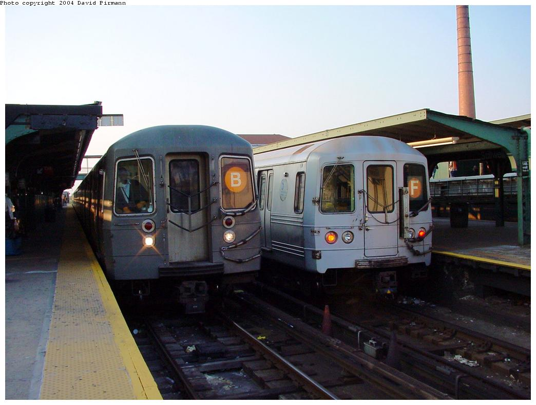 (102k, 1044x788)<br><b>Country:</b> United States<br><b>City:</b> New York<br><b>System:</b> New York City Transit<br><b>Location:</b> Coney Island/Stillwell Avenue<br><b>Route:</b> B<br><b>Car:</b> R-68/R-68A Series (Number Unknown)  <br><b>Photo by:</b> David Pirmann<br><b>Date:</b> 5/17/2000<br><b>Viewed (this week/total):</b> 1 / 5281