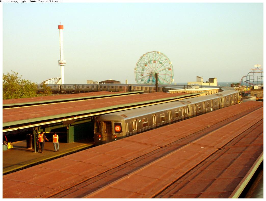 (103k, 1044x788)<br><b>Country:</b> United States<br><b>City:</b> New York<br><b>System:</b> New York City Transit<br><b>Location:</b> Coney Island/Stillwell Avenue<br><b>Route:</b> D<br><b>Car:</b> R-68 (Westinghouse-Amrail, 1986-1988)  2774 <br><b>Photo by:</b> David Pirmann<br><b>Date:</b> 5/17/2000<br><b>Viewed (this week/total):</b> 0 / 4703