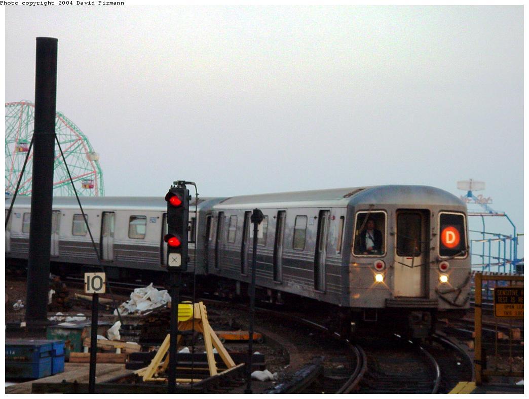 (101k, 1044x788)<br><b>Country:</b> United States<br><b>City:</b> New York<br><b>System:</b> New York City Transit<br><b>Location:</b> Coney Island/Stillwell Avenue<br><b>Route:</b> D<br><b>Car:</b> R-68/R-68A Series (Number Unknown)  <br><b>Photo by:</b> David Pirmann<br><b>Date:</b> 5/17/2000<br><b>Viewed (this week/total):</b> 1 / 5051