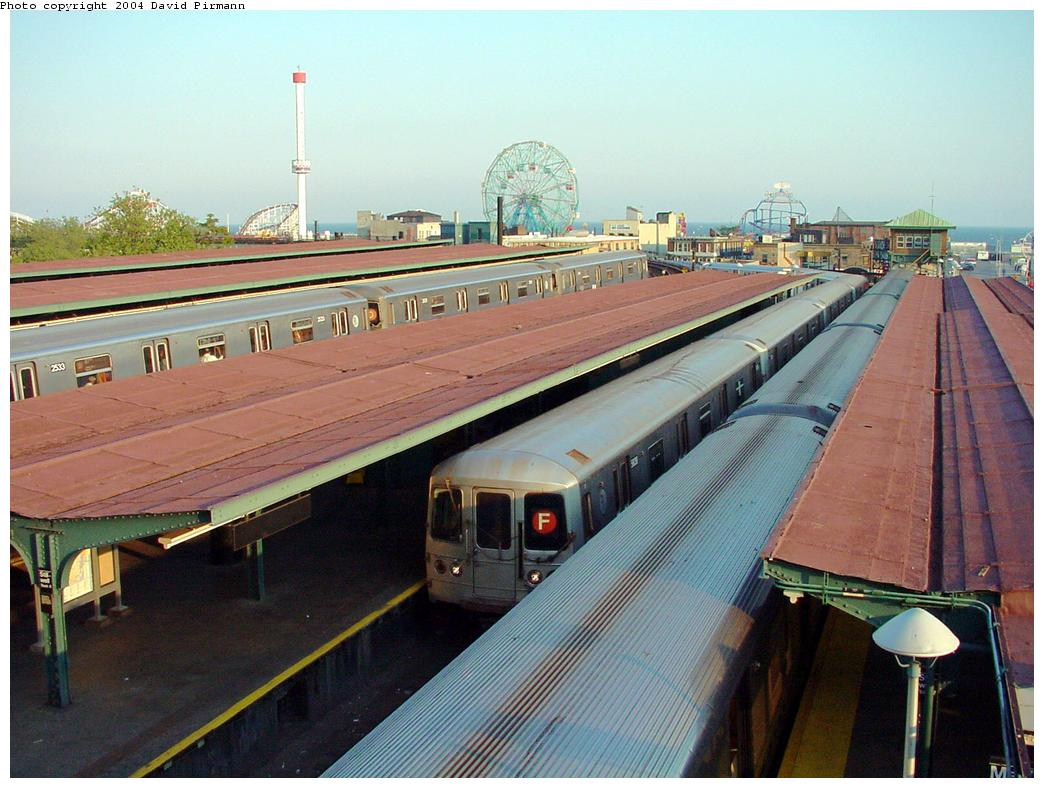 (130k, 1044x788)<br><b>Country:</b> United States<br><b>City:</b> New York<br><b>System:</b> New York City Transit<br><b>Location:</b> Coney Island/Stillwell Avenue<br><b>Route:</b> F<br><b>Car:</b> R-46 (Pullman-Standard, 1974-75) 5838 <br><b>Photo by:</b> David Pirmann<br><b>Date:</b> 5/17/2000<br><b>Viewed (this week/total):</b> 0 / 4479