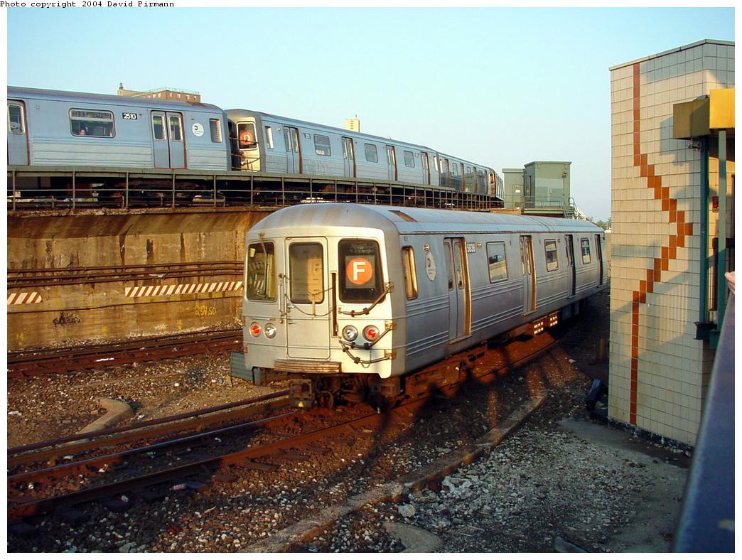 (158k, 1044x788)<br><b>Country:</b> United States<br><b>City:</b> New York<br><b>System:</b> New York City Transit<br><b>Location:</b> Coney Island/Stillwell Avenue<br><b>Route:</b> F<br><b>Car:</b> R-46 (Pullman-Standard, 1974-75) 5838 <br><b>Photo by:</b> David Pirmann<br><b>Date:</b> 5/17/2000<br><b>Viewed (this week/total):</b> 2 / 10638