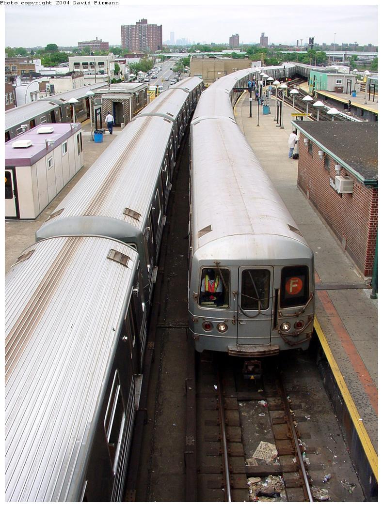 (164k, 790x1047)<br><b>Country:</b> United States<br><b>City:</b> New York<br><b>System:</b> New York City Transit<br><b>Location:</b> Coney Island/Stillwell Avenue<br><b>Route:</b> F<br><b>Car:</b> R-46 (Pullman-Standard, 1974-75)  <br><b>Photo by:</b> David Pirmann<br><b>Date:</b> 6/18/2000<br><b>Viewed (this week/total):</b> 0 / 4783