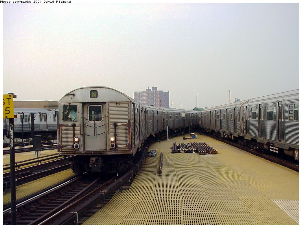 (133k, 1044x788)<br><b>Country:</b> United States<br><b>City:</b> New York<br><b>System:</b> New York City Transit<br><b>Location:</b> Coney Island/Stillwell Avenue<br><b>Route:</b> N<br><b>Car:</b> R-32 (Budd, 1964)   <br><b>Photo by:</b> David Pirmann<br><b>Date:</b> 8/27/2000<br><b>Viewed (this week/total):</b> 1 / 4720