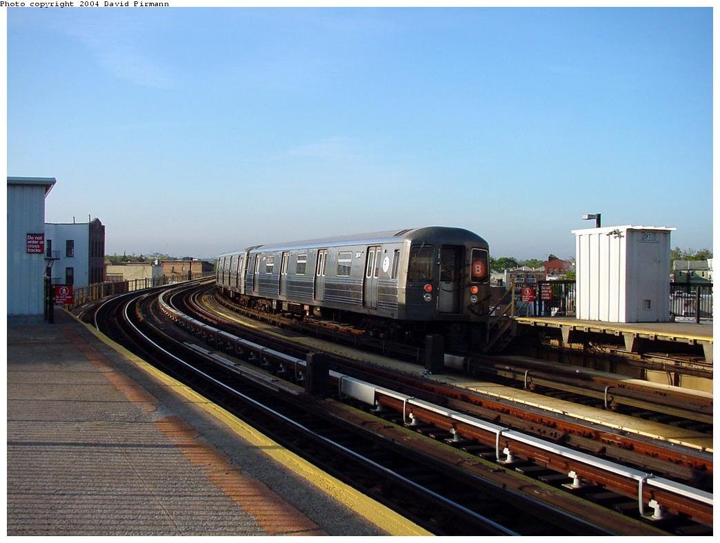 (114k, 1044x788)<br><b>Country:</b> United States<br><b>City:</b> New York<br><b>System:</b> New York City Transit<br><b>Line:</b> BMT West End Line<br><b>Location:</b> 18th Avenue <br><b>Car:</b> R-68 (Westinghouse-Amrail, 1986-1988)  2574 <br><b>Photo by:</b> David Pirmann<br><b>Date:</b> 5/31/2000<br><b>Viewed (this week/total):</b> 1 / 4364