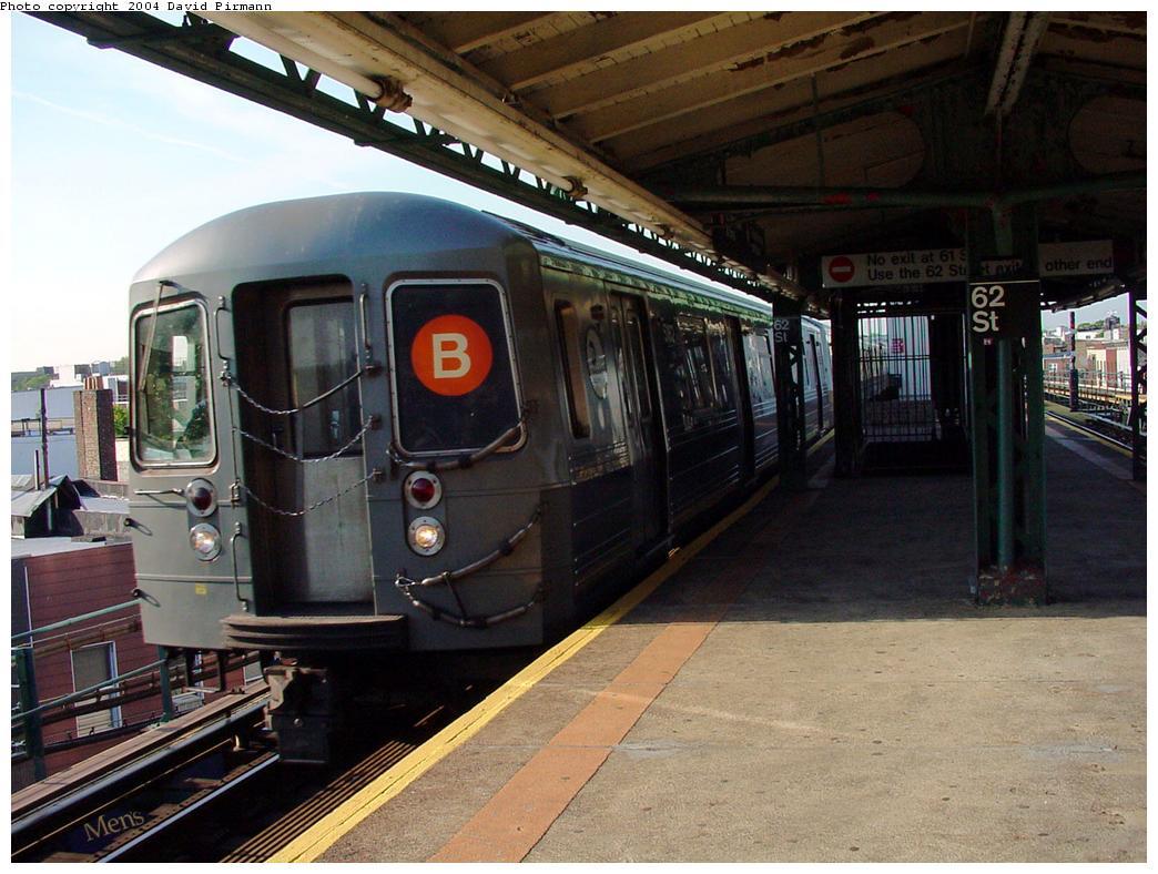(135k, 1044x788)<br><b>Country:</b> United States<br><b>City:</b> New York<br><b>System:</b> New York City Transit<br><b>Line:</b> BMT West End Line<br><b>Location:</b> 62nd Street <br><b>Route:</b> B<br><b>Car:</b> R-68A (Kawasaki, 1988-1989)  5162 <br><b>Photo by:</b> David Pirmann<br><b>Date:</b> 5/31/2000<br><b>Viewed (this week/total):</b> 2 / 4961