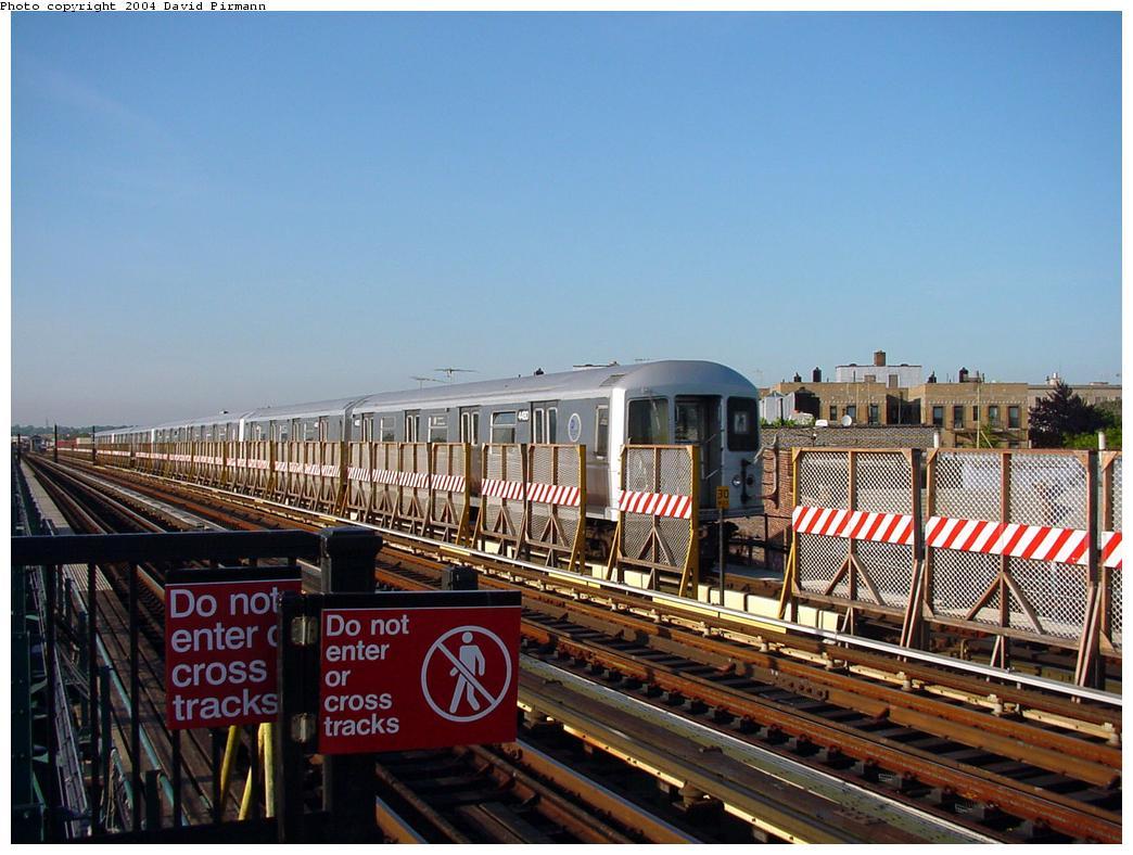 (136k, 1044x788)<br><b>Country:</b> United States<br><b>City:</b> New York<br><b>System:</b> New York City Transit<br><b>Line:</b> BMT West End Line<br><b>Location:</b> 71st Street <br><b>Car:</b> R-40M (St. Louis, 1969)  4430 <br><b>Photo by:</b> David Pirmann<br><b>Date:</b> 5/31/2000<br><b>Viewed (this week/total):</b> 0 / 3720