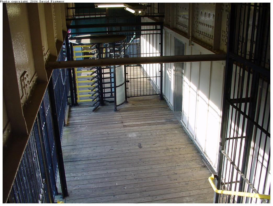 (141k, 1044x788)<br><b>Country:</b> United States<br><b>City:</b> New York<br><b>System:</b> New York City Transit<br><b>Line:</b> BMT West End Line<br><b>Location:</b> 71st Street <br><b>Photo by:</b> David Pirmann<br><b>Date:</b> 5/31/2000<br><b>Viewed (this week/total):</b> 0 / 3112
