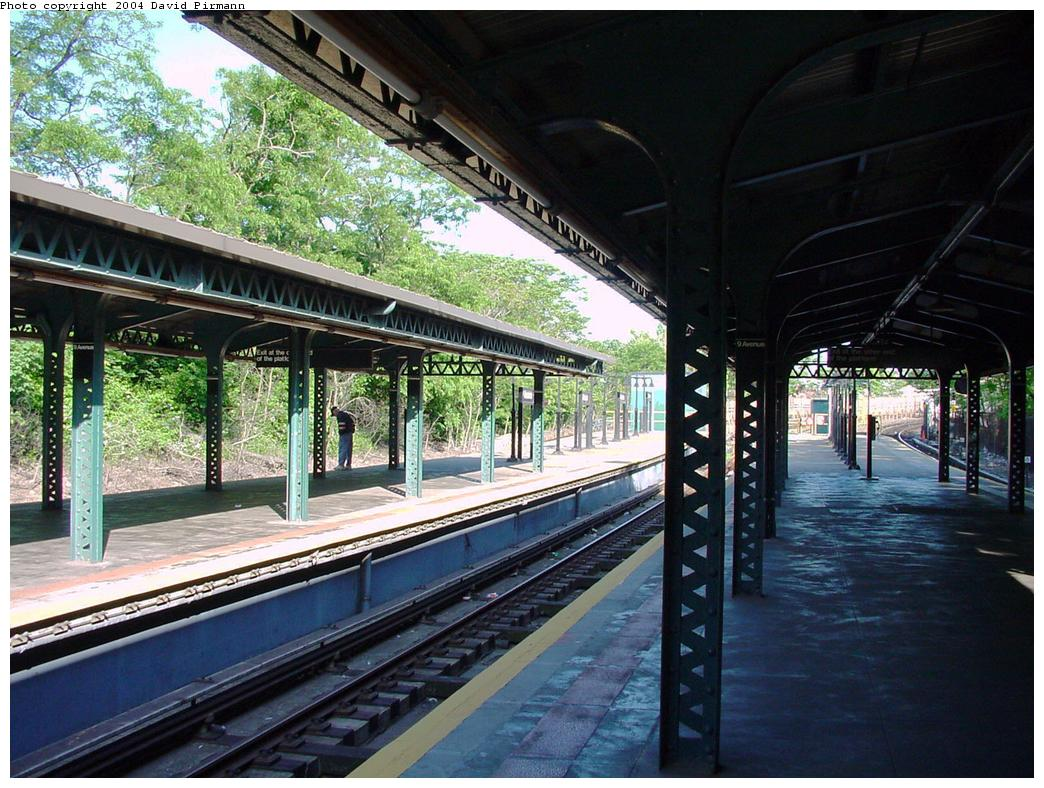 (167k, 1044x788)<br><b>Country:</b> United States<br><b>City:</b> New York<br><b>System:</b> New York City Transit<br><b>Line:</b> BMT West End Line<br><b>Location:</b> 9th Avenue <br><b>Photo by:</b> David Pirmann<br><b>Date:</b> 5/31/2000<br><b>Viewed (this week/total):</b> 0 / 2394