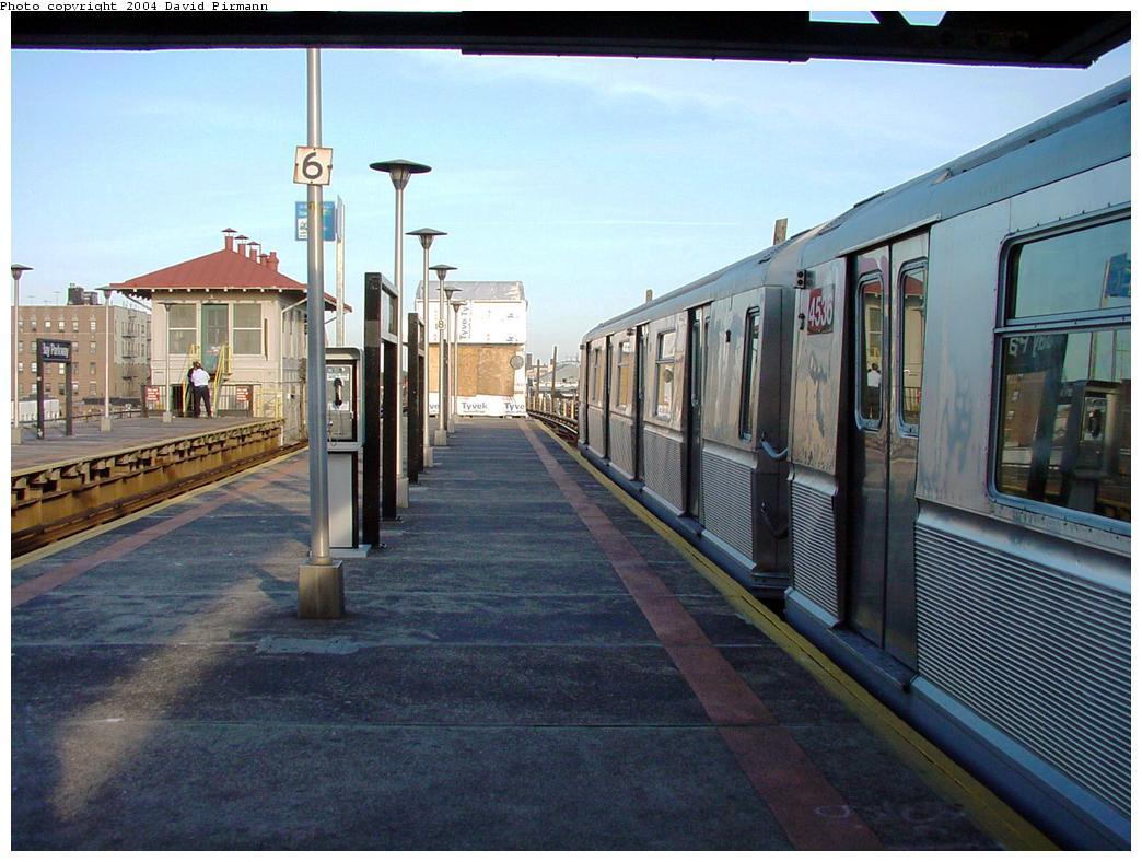 (134k, 1044x788)<br><b>Country:</b> United States<br><b>City:</b> New York<br><b>System:</b> New York City Transit<br><b>Line:</b> BMT West End Line<br><b>Location:</b> Bay Parkway <br><b>Car:</b> R-40M (St. Louis, 1969)  4536 <br><b>Photo by:</b> David Pirmann<br><b>Date:</b> 5/31/2000<br><b>Viewed (this week/total):</b> 3 / 5046