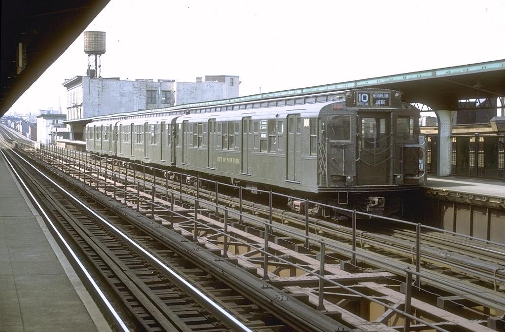 (209k, 1024x673)<br><b>Country:</b> United States<br><b>City:</b> New York<br><b>System:</b> New York City Transit<br><b>Line:</b> BMT Myrtle Avenue Line<br><b>Location:</b> Knickerbocker Avenue <br><b>Route:</b> Fan Trip<br><b>Car:</b> R-1 (American Car & Foundry, 1930-1931) 100 <br><b>Photo by:</b> Joe Testagrose<br><b>Date:</b> 3/25/1971<br><b>Viewed (this week/total):</b> 2 / 4593