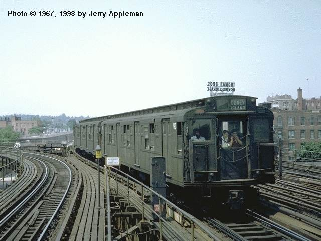 (44k, 640x480)<br><b>Country:</b> United States<br><b>City:</b> New York<br><b>System:</b> New York City Transit<br><b>Line:</b> BMT Culver Line<br><b>Location:</b> Ditmas Avenue <br><b>Car:</b> R-1 (American Car & Foundry, 1930-1931) 190 <br><b>Photo by:</b> Jerry Appleman<br><b>Date:</b> 6/1967<br><b>Viewed (this week/total):</b> 2 / 6245