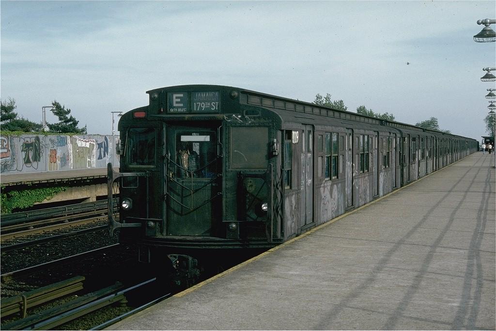 (211k, 1024x683)<br><b>Country:</b> United States<br><b>City:</b> New York<br><b>System:</b> New York City Transit<br><b>Line:</b> IND Rockaway<br><b>Location:</b> Aqueduct/North Conduit Avenue <br><b>Route:</b> E<br><b>Car:</b> R-4 (American Car & Foundry, 1932-1933) 1009 (ex-823)<br><b>Photo by:</b> Joe Testagrose<br><b>Date:</b> 5/28/1976<br><b>Viewed (this week/total):</b> 1 / 4062