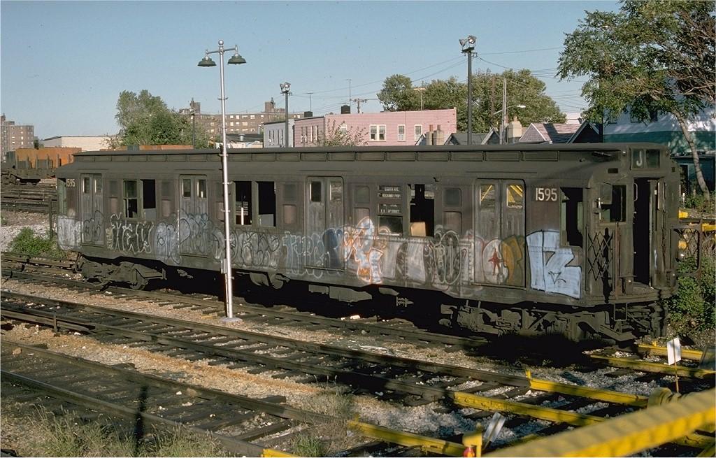 (246k, 1024x655)<br><b>Country:</b> United States<br><b>City:</b> New York<br><b>System:</b> New York City Transit<br><b>Location:</b> Rockaway Parkway (Canarsie) Yard<br><b>Car:</b> R-4 (American Car & Foundry, 1932-1933) 1595 (ex-815)<br><b>Photo by:</b> Ed McKernan<br><b>Collection of:</b> Joe Testagrose<br><b>Date:</b> 10/18/1976<br><b>Viewed (this week/total):</b> 6 / 5713